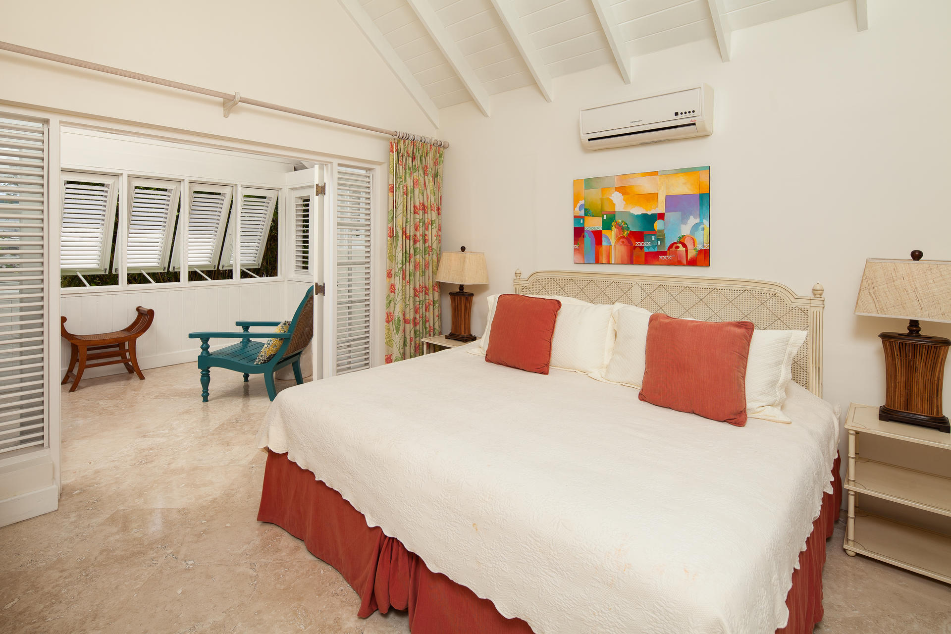 Rooms luxury one two three bedroom villas little for Split master bedroom